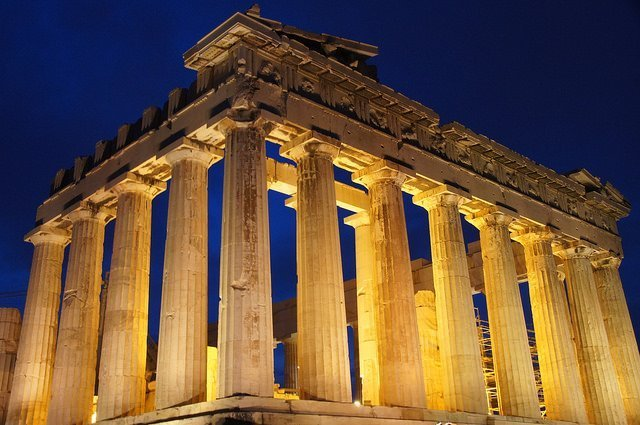 The Parthenon - vegan travel in Greece