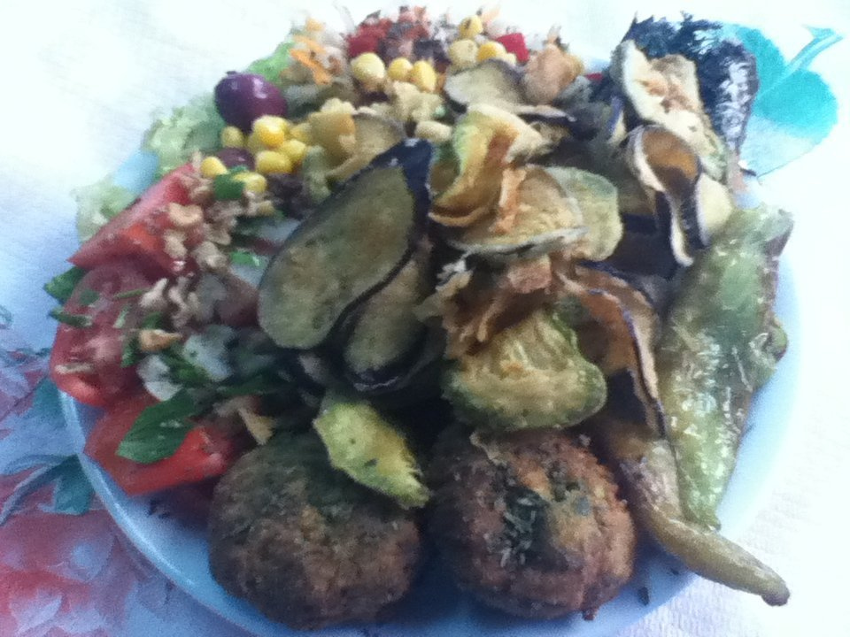 Vegan meze platter in Thessaloniki, Greece