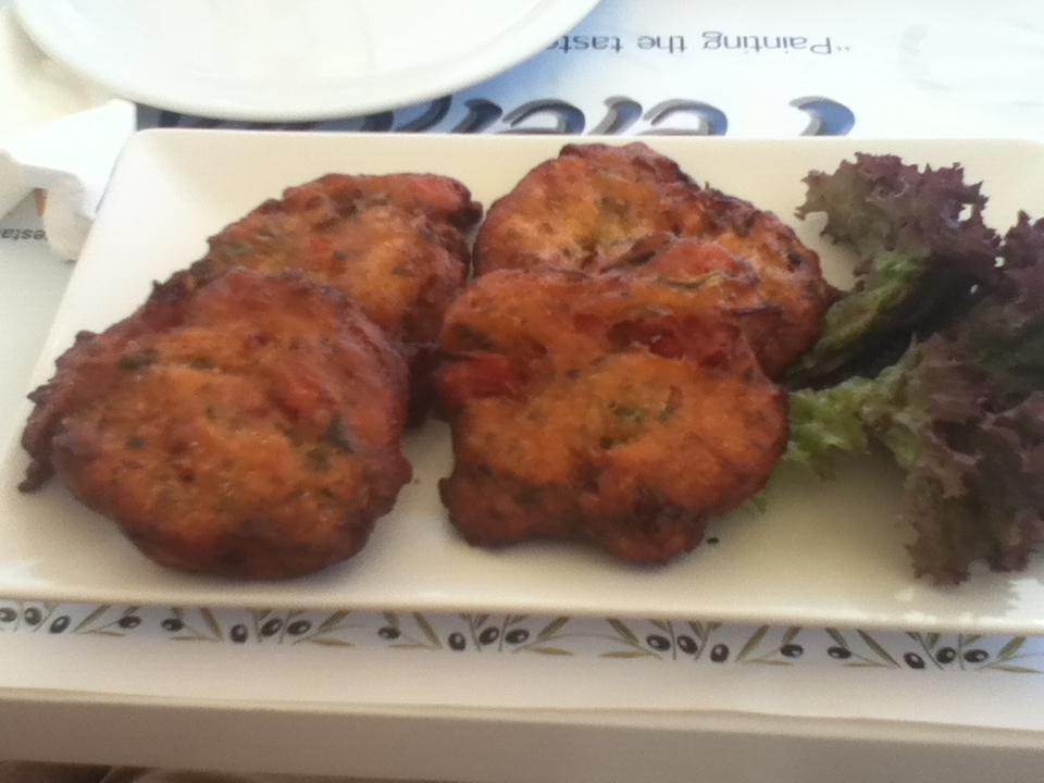 Tomato balls at vegan-friendly Pelekanos restaurant, Oia, Santorini