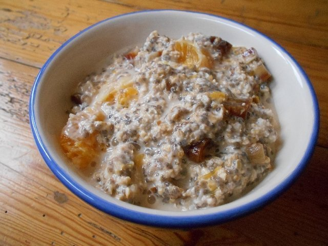 Tea-steeped overnight oatmeal
