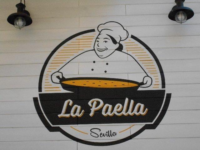 Vegan travel - last resort lunch at La Paella