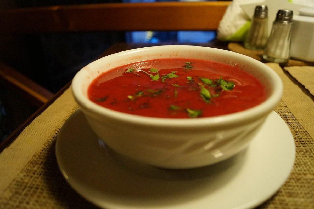 Juicy tomato soup - vegan travel in the Congo (DRC)