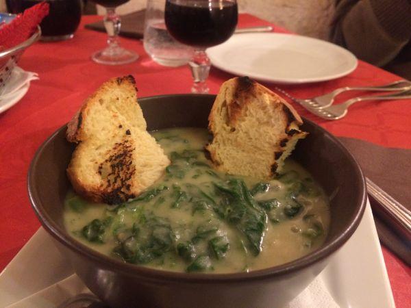 Fave e cicorie - vegan Italy