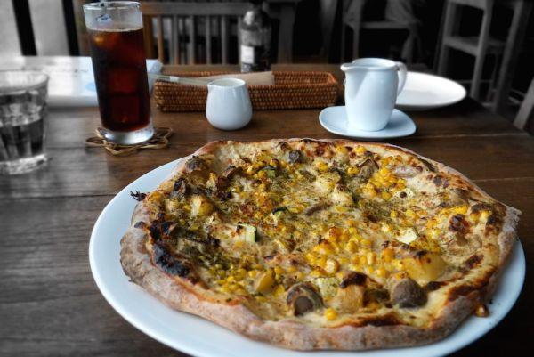 Vegan Pizza - veganscafe - Kyoto