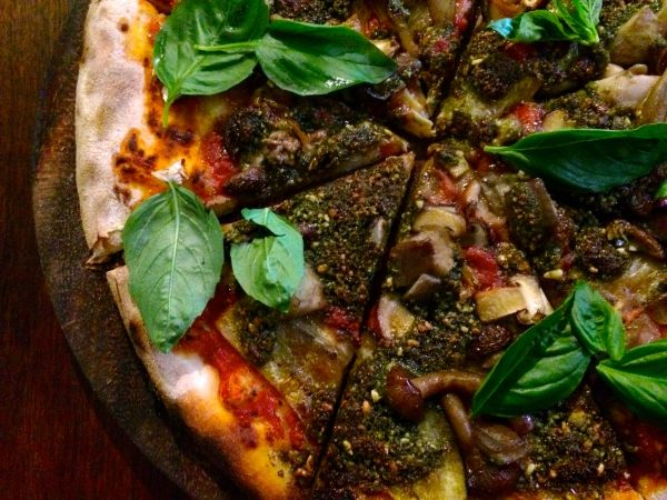 Vegan pizza - by_hand_pizza_chiang_mai