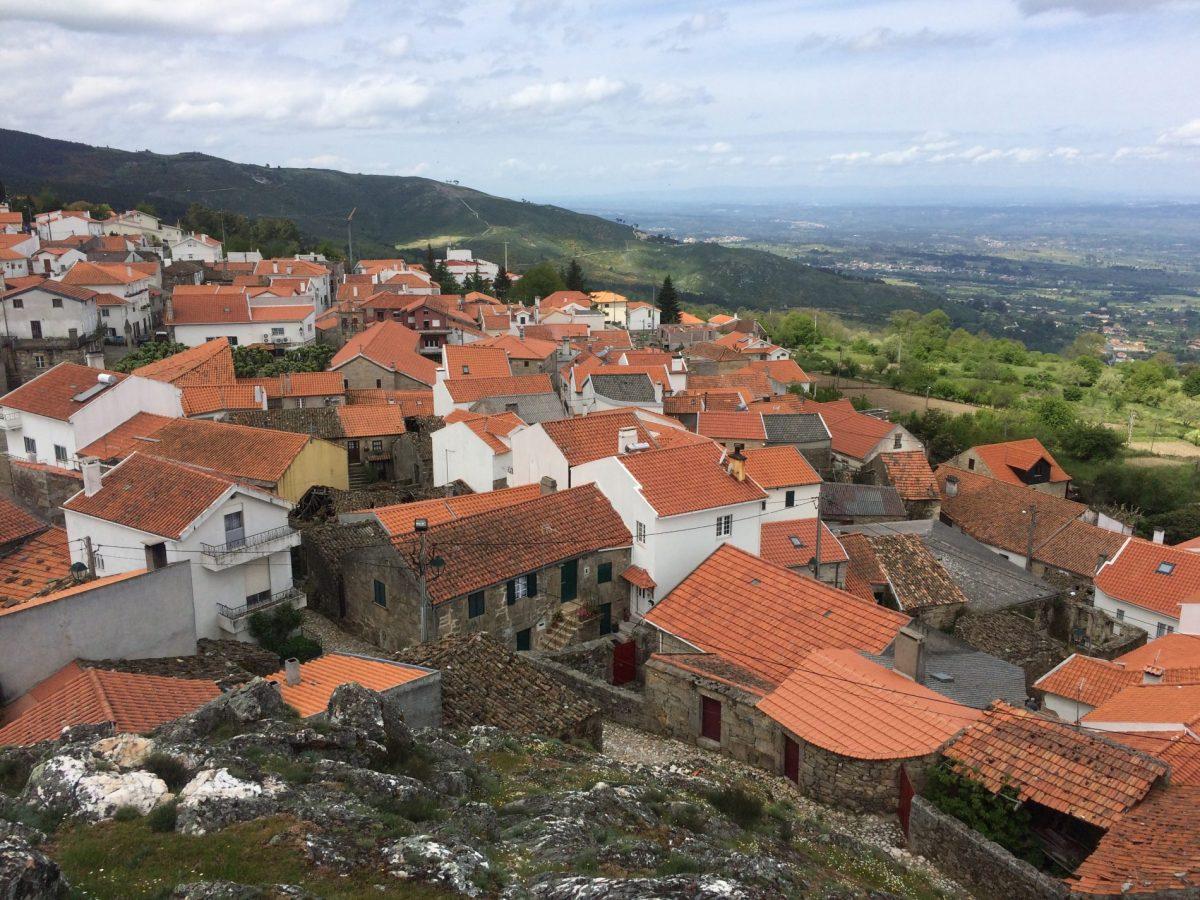 Folgosinho village - Honey House Retreat in Portugal