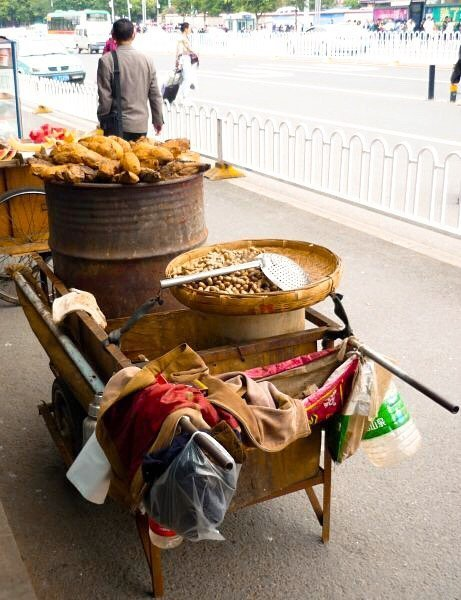 Kunming street food hawkers - Living The China Study