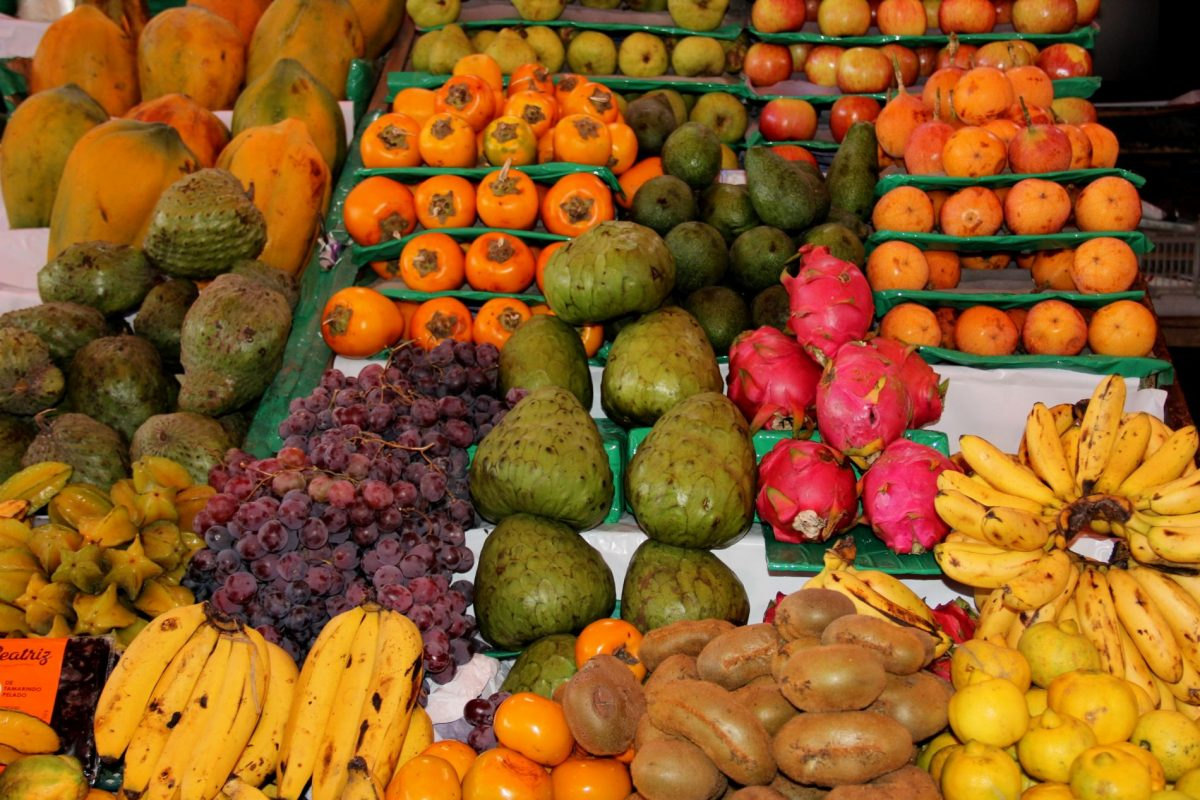 Fruit market - vegan in Peru