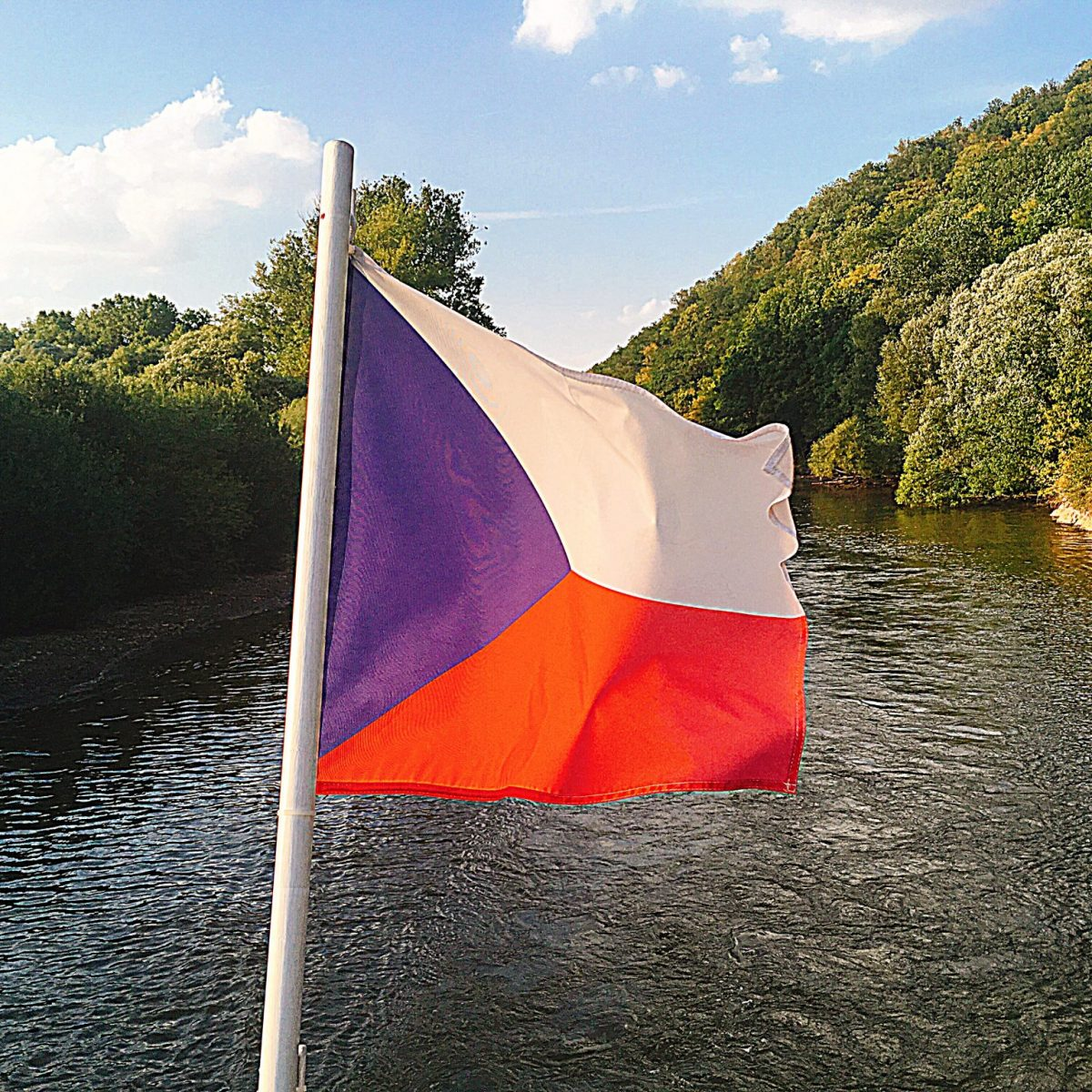Brno Reservoir - Czech flag - Brno what to do