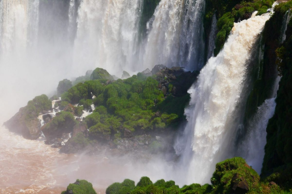 Argentine side of Iguazú falls