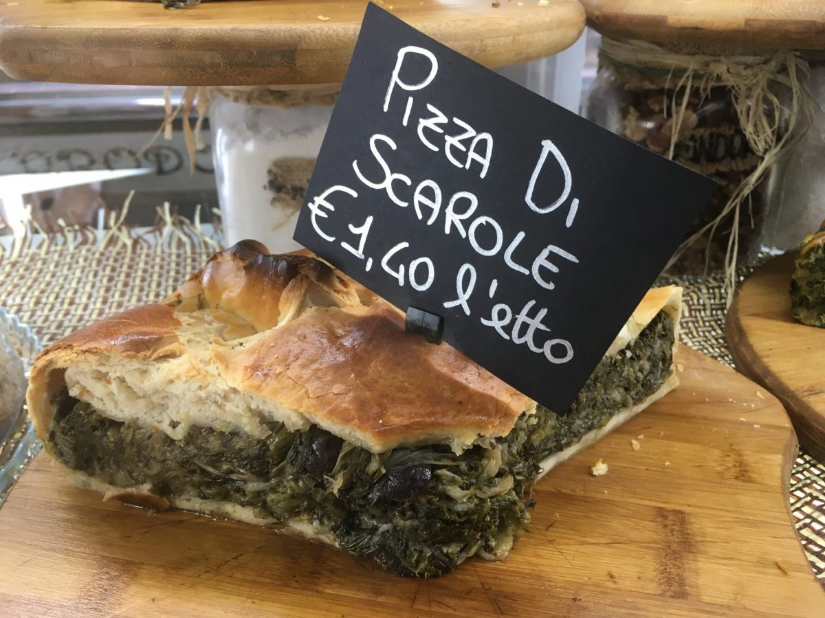 Vegan Pizza di Scarole at Cicol'e Ricott' in Napoli Italy