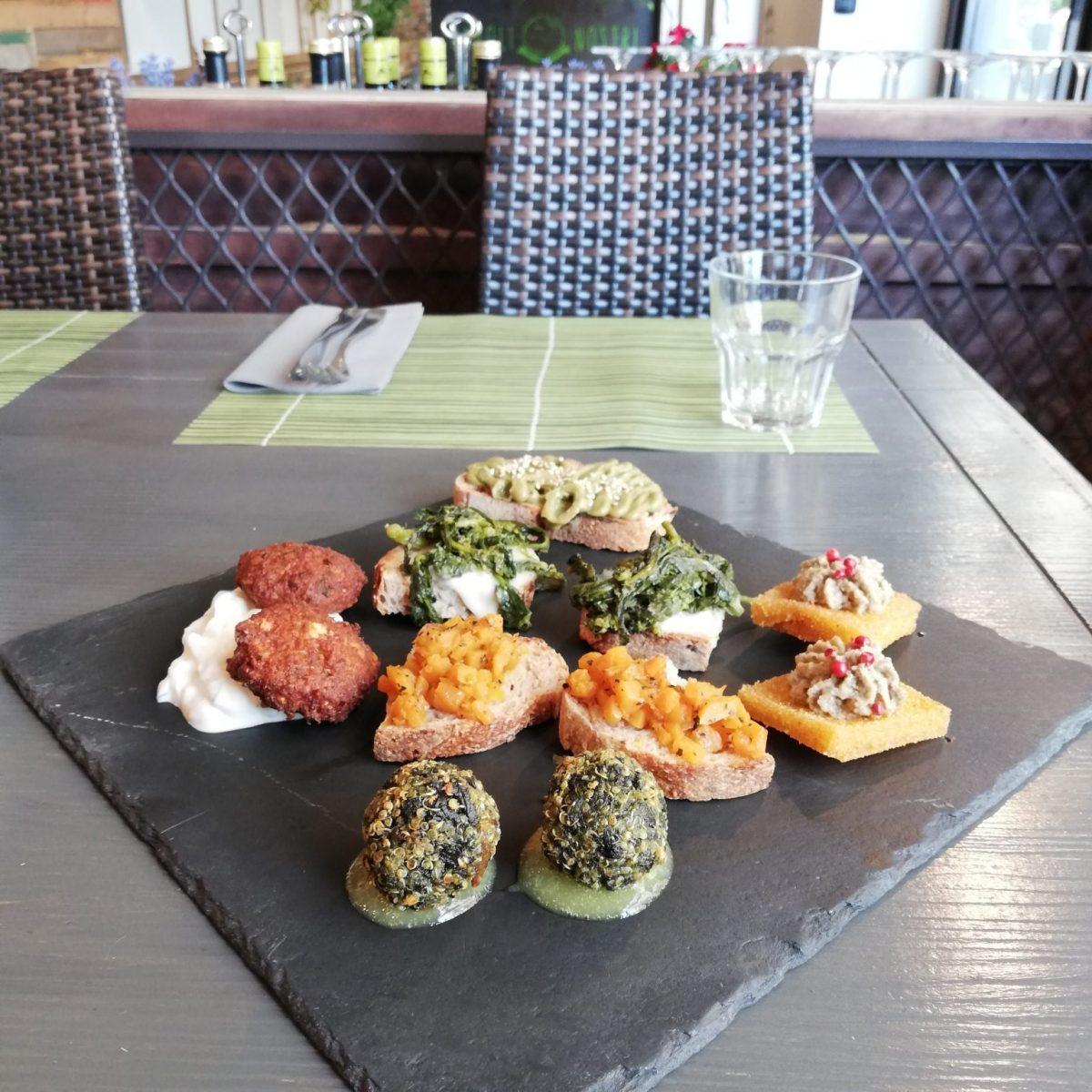 Cavoli Nostri - vegan restaurant Naples Italy