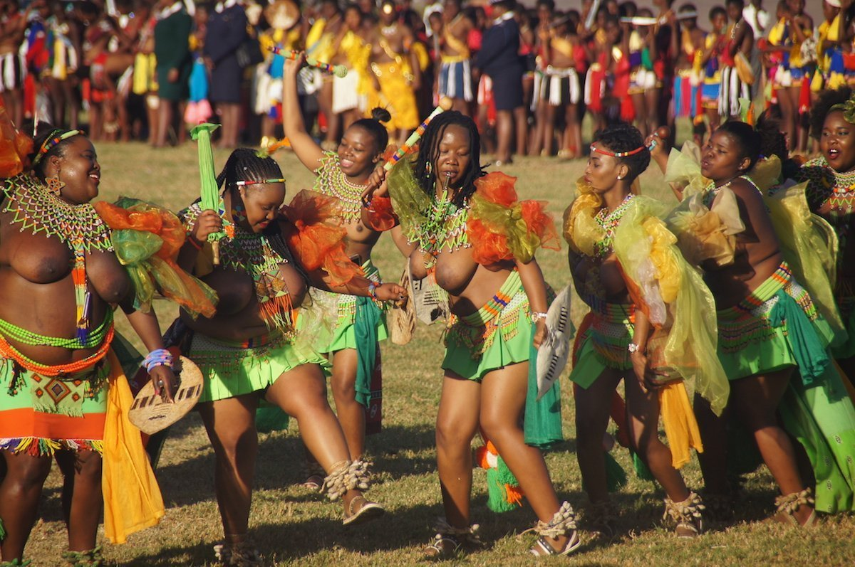 Swaziland women dancing at Umhlanga