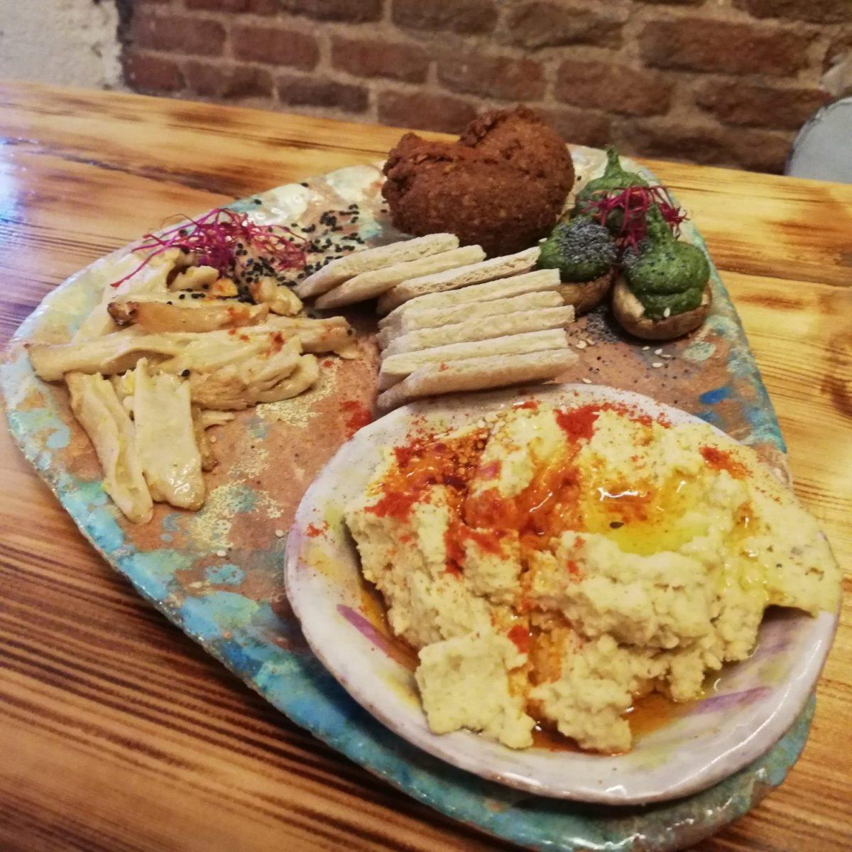 Mediterranean vegan tapas platter at La Encomienda in Madrid