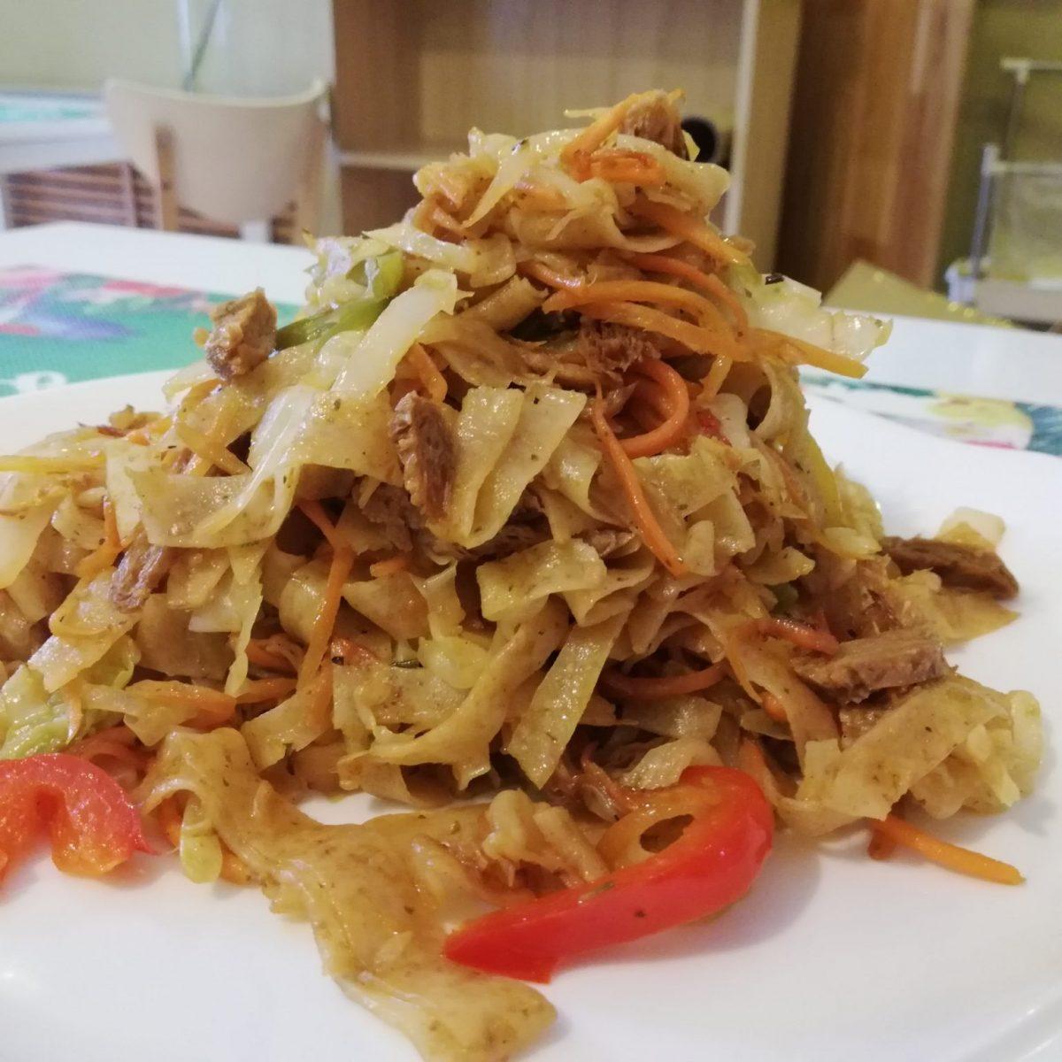 Tsuivan fried noodles