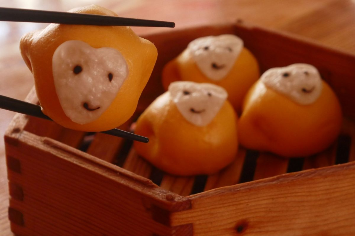 Monkey-shaped steamed buns 包子