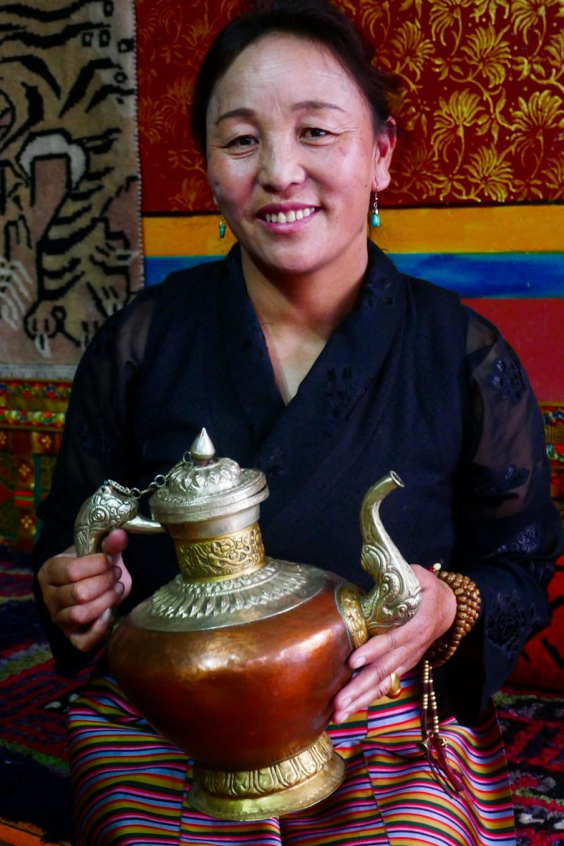 Tea with local Tibetan woman