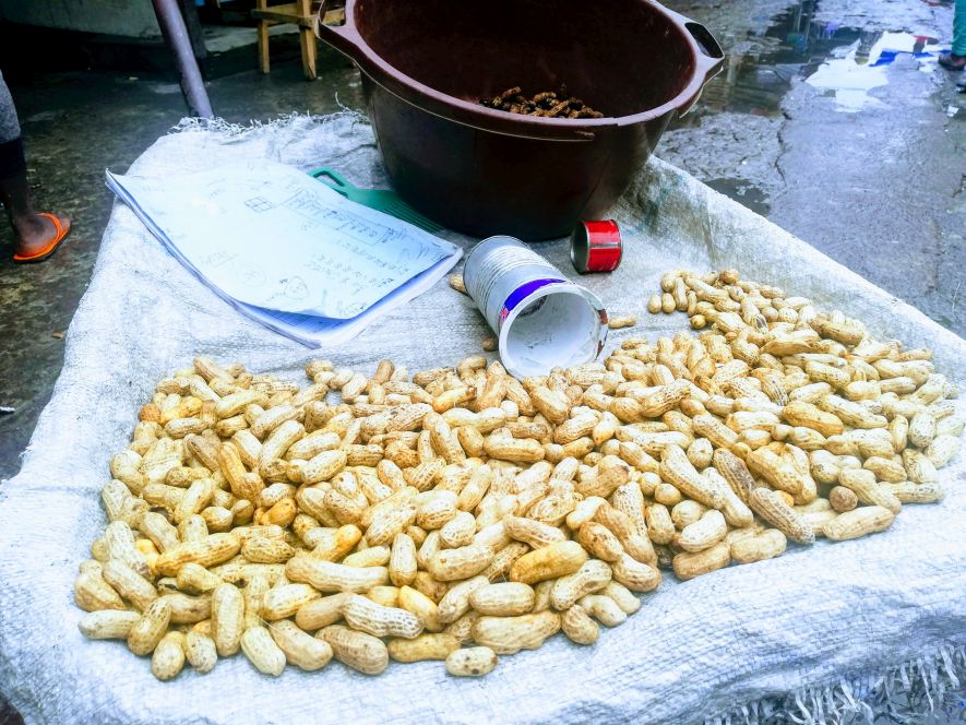 Peanuts in the Congolese market