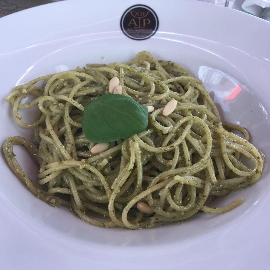 vegan pesto spaghetti