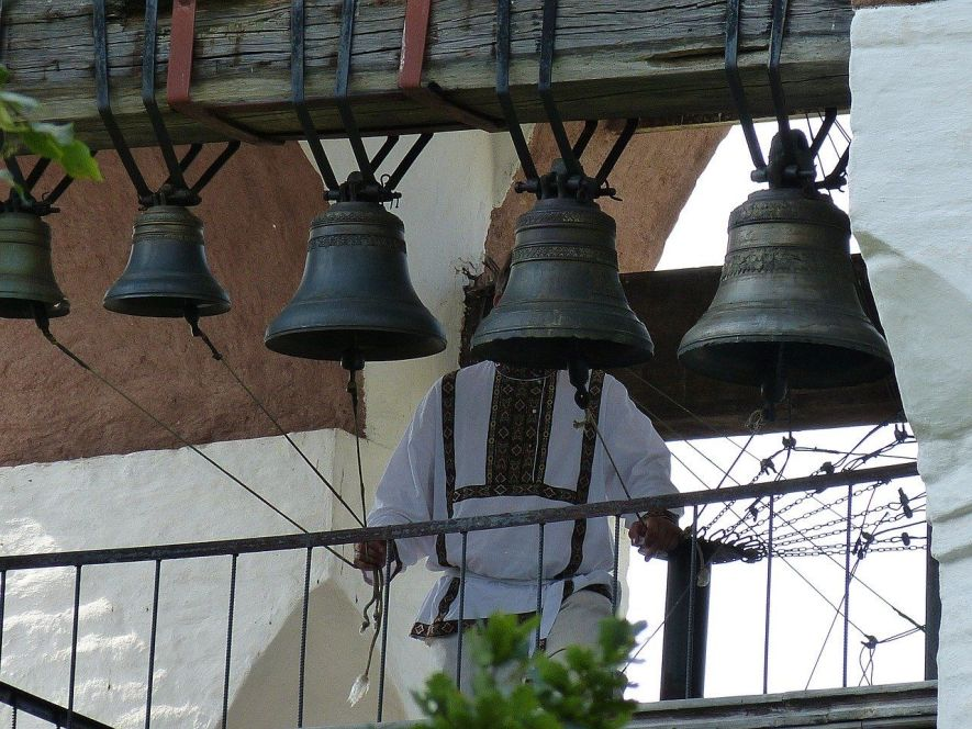 Ringing the bells of the Saviour Monastery in Suzdal