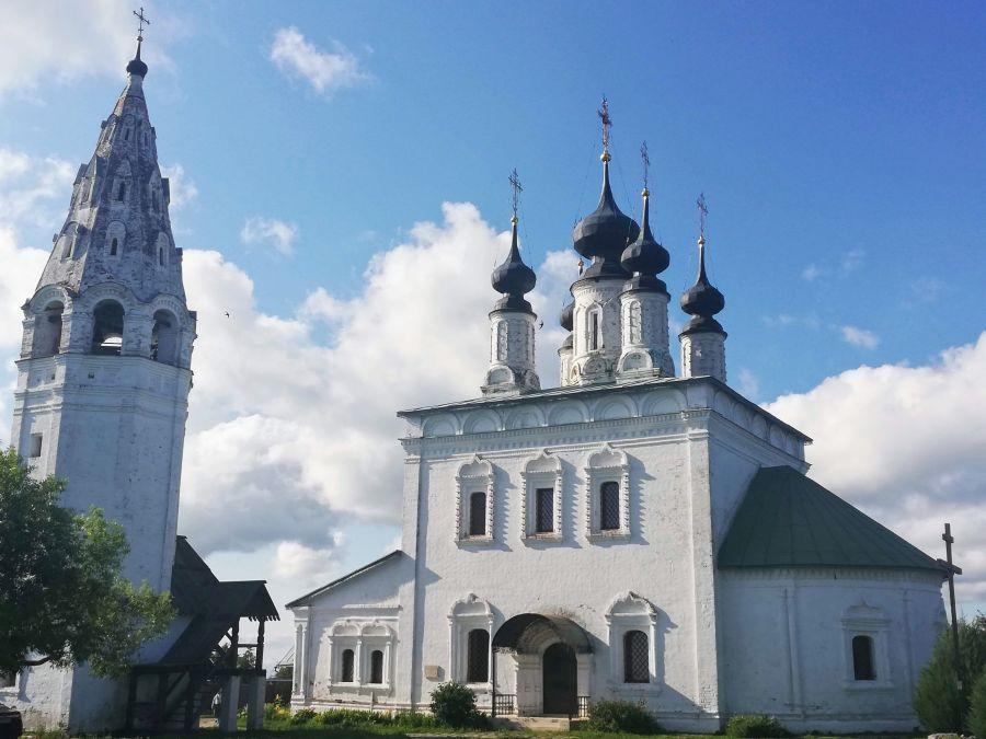 Aleksandrovsky Muzhskoy Monastery