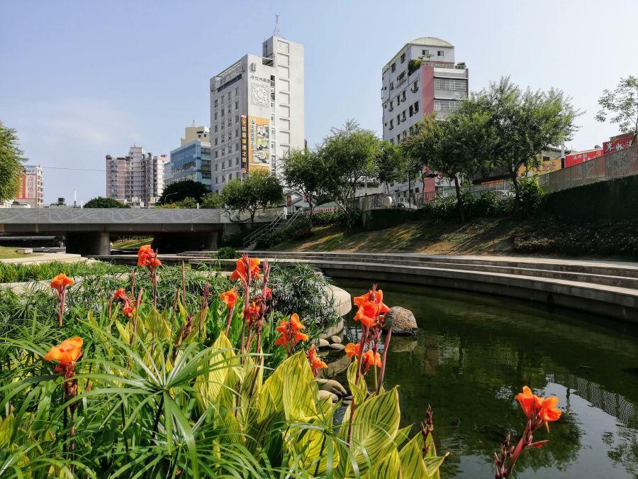 Liuchuan Riverside Walk