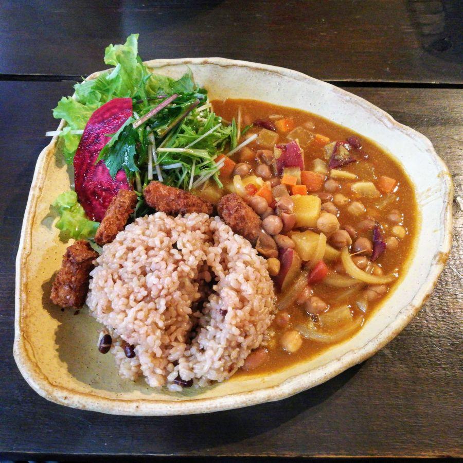 Japanese curry at Vegan Café Ramuna