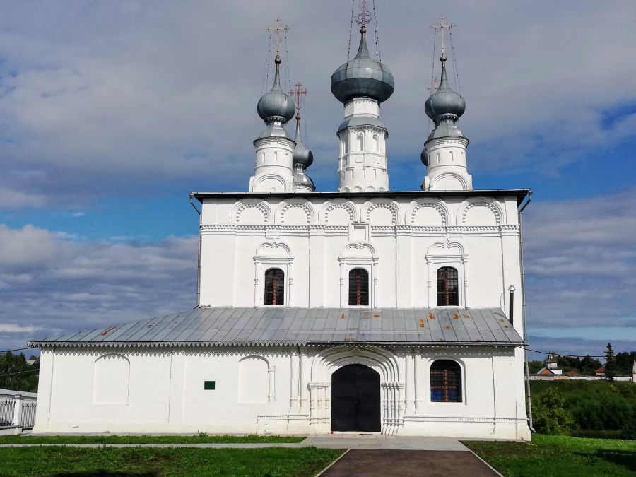 One of many white monuments in Suzdal Russia