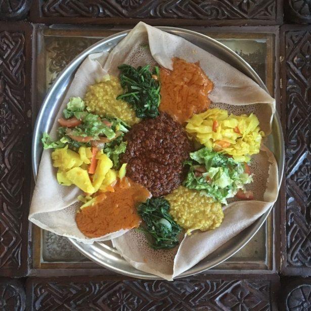 yetsome beyaynetu Ethiopian vegetarian platter