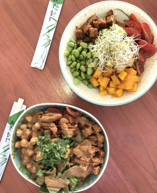 Lunch at One Happy Bowl in Aruba